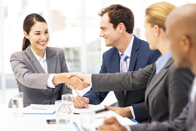kā atrast klientu advokātu